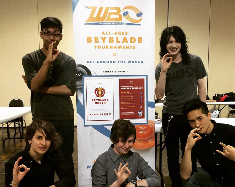 [Image: world-beyblade-organization-stand-up-ban...hoto-2.jpg]